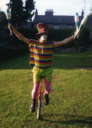 Angus unicyclist and juggler