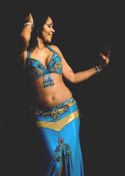 Diana Midlands bellydancer and troupe