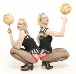 Ball Spinning, dancing twins - Delightee